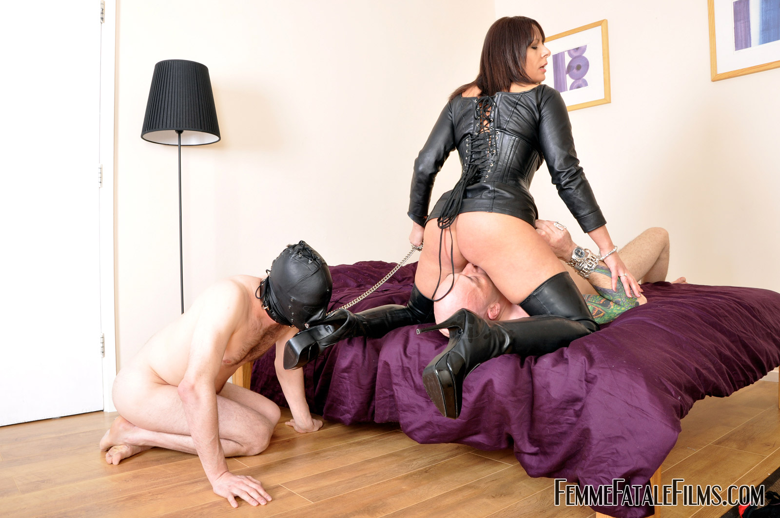 Superior blowjob using her mouth and tongue - 3 5