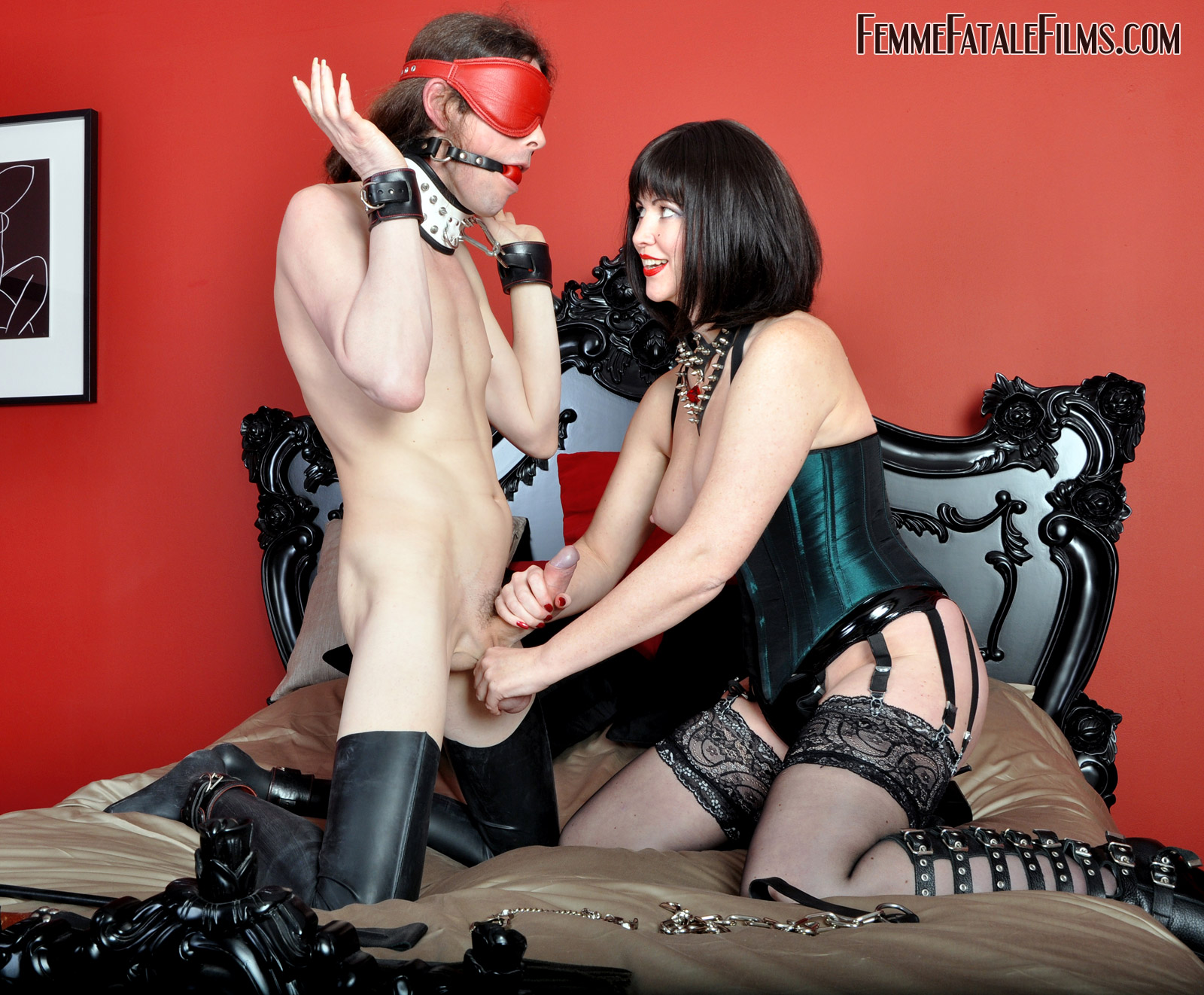 image Bondage suck and fuck with a fucked up brunet
