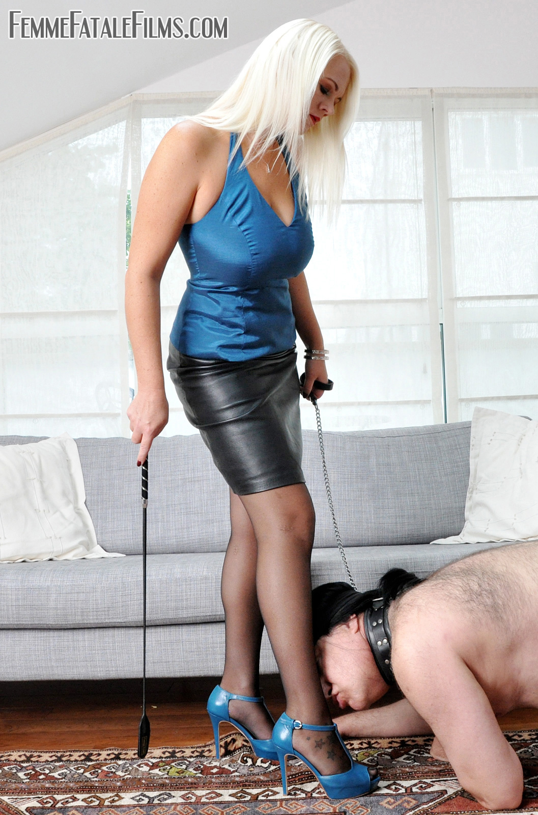 GODDESS HEATHER DIVINE TRAINS HER PUPPY SLAVE