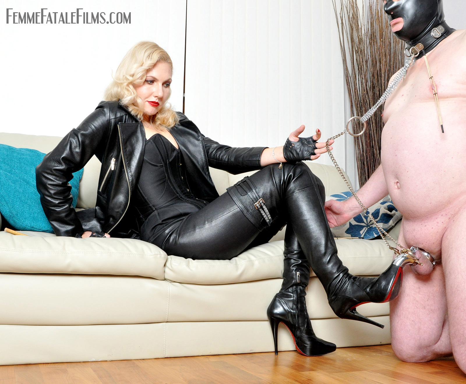 Leather femdom mistress chastity — pic 8