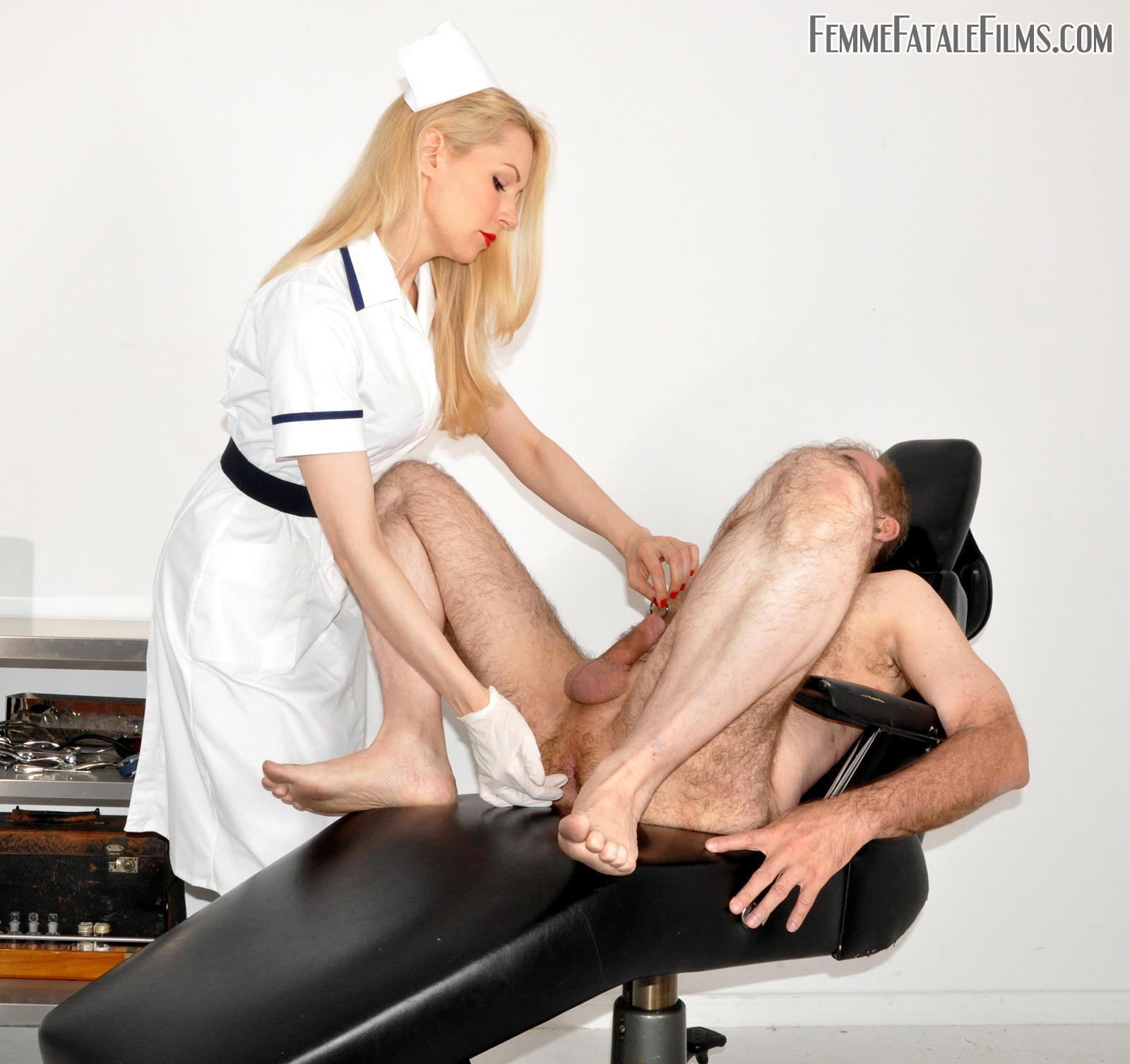 Порно ролики урологический массаж, порно на русском трансы групповуха