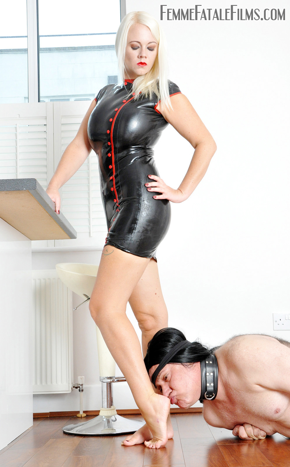 Blonde Milf in Rubber