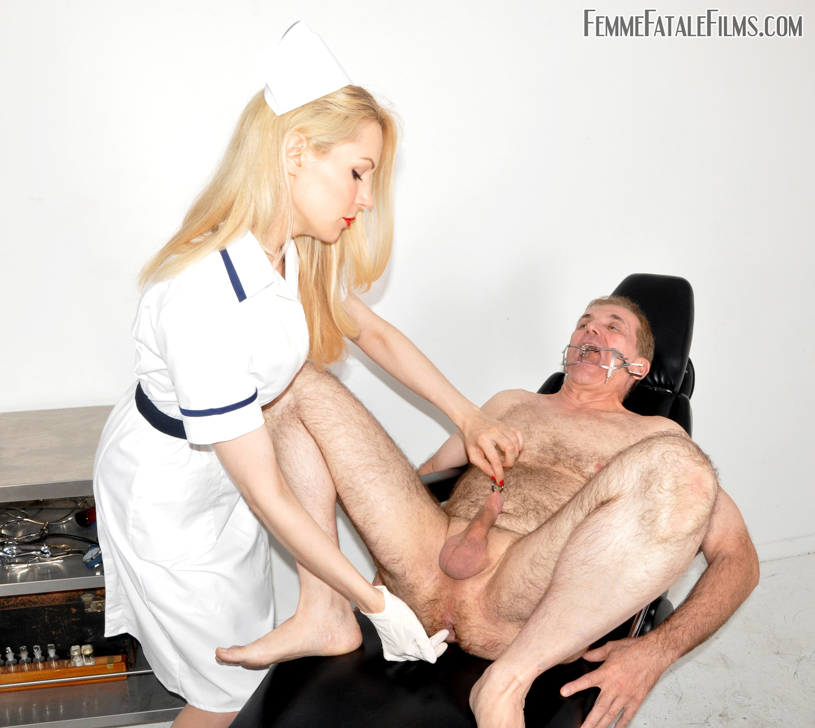 Patient gives sexy nurse some treatment