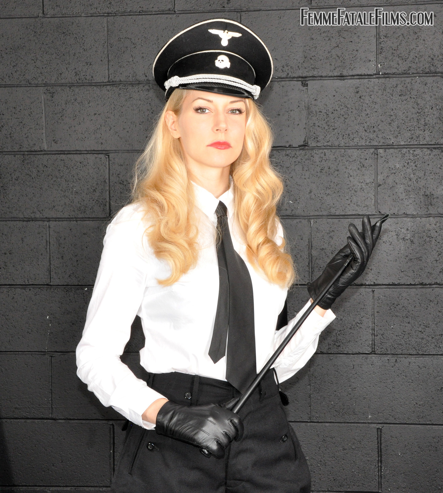 Fucking my police officer xxx pawn agents 9